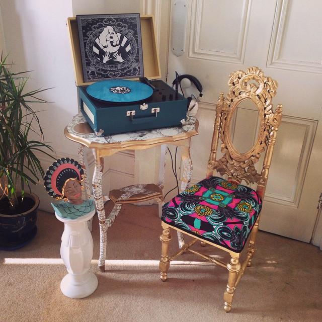 Grande Listening Station